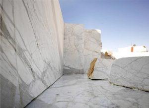 calacatta-carrara-marble-quarry-quarry1-3883B